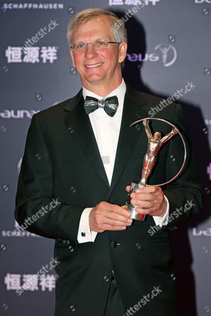 Us Skydiver Alan Eustace Poses with His Laureus World Sports Award For 'Action Sportsperson of the Year' During the 2015 Laureus Sports Awards Ceremony at Shanghai Grand Theater in Shanghai China 15 April 2015 the Laureus Media Prize is Attributed to People That Have Made an Impact to the World of Sport China Shanghai