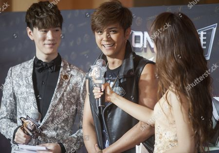 Show Lo From Taiwan Winner of the Channel [v] Hot Singer of the Year Award Arrives on the Red Carpet For the 18th Channel [v] China Music Awards and Asian Influential Power Grand Ceremony at the Venetian Macau Casino in Macau China 23 April 2014 China Macau