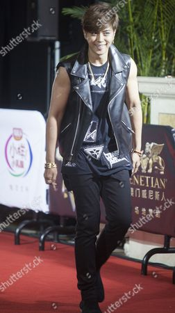Show Lo From Taiwan Winner of the Channel [v] Hot Singer of the Year Award Arrives to the Red Carpet For the 18th Channel [v] China Music Awards and Asian Influential Power Grand Ceremony at the Venetian Macau Casino in Macau China 23 April 2014 China Macau