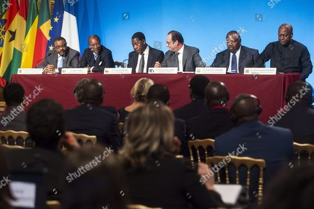 (l-r) Ethiopian Prime Minister Haile Mariam Dessalegn Guinean President Alpha Conde Benin President Thomas Boni Yayi French President Francois Hollande Congo President Ali Bongo and Ghana President John Dramani Mahama Hold a Press Conference Following a Lunch at the Elysee Palace to Honor the African Presidents Involved in Sustainable Development in Regard to the Cop21 in Paris France 10 November 2015 France Paris