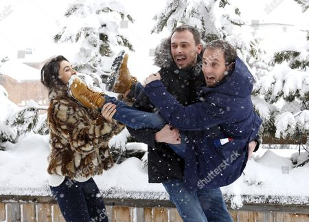 French Actors Fanny Valette (l) Antoine Gouy (c) and French Producer Paul Lefevre (r) Pose During the Photocall For 'A Love You' at the 18th Annual International Comedy Film Festival in L'alpe D'huez France 17 January 2015 the Festival Runs From 14 to 18 January France Alpe D'huez