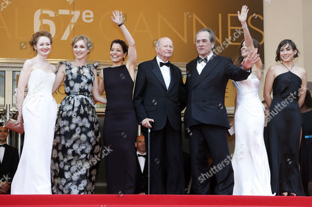 Australian Actress Miranda Otto (l) Danish Actress Sonja Richter (2-l) Festival President Gilles Jacob (c) Us Director Tommy Lee Jones (3-r) and Wife Dawn Laurel-jones (3-l) Us Actress Hilary Swank (2-r) and Guest Arrive For the Screening of 'The Homesman' During the 67th Annual Cannes Film Festival in Cannes France 18 May 2014 the Movie is Presented in the Official Competition of the Festival Which Runs From 14 to 25 May France Cannes