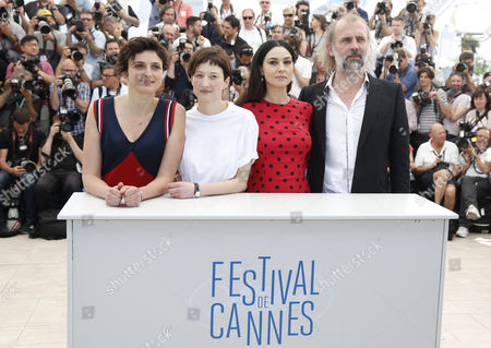 (l-r) Italian Director Alice Rohrwacher Italian Actress Alba Rohrwacher Italian Actress Monica Bellucci and Belgian Actor Sam Louwyck Pose During the Photocall For 'Le Meraviglie' (the Wonders) at the 67th Annual Cannes Film Festival in Cannes France 18 May 2014 the Movie is Presented in the Official Competition of the Festival Which Runs From 14 to 25 May France Cannes