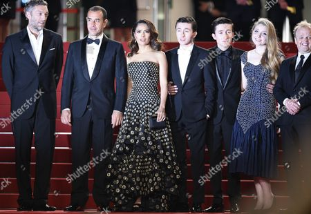 (l-r) French Actor Vincent Cassel Italian Director Matteo Garrone Mexican Actress Salma Hayek British Actor Christian Lees British Actor Jonah Lees British Actress Bebe Cave and British Actor Toby Jones Arrive For the Screening of 'Il Racconto Dei Racconti' (tale of Tales) During the 68th Annual Cannes Film Festival in Cannes France 14 May 2015 the Movie is Presented in the Official Competition of the Festival Which Runs From 13 to 24 May France Cannes