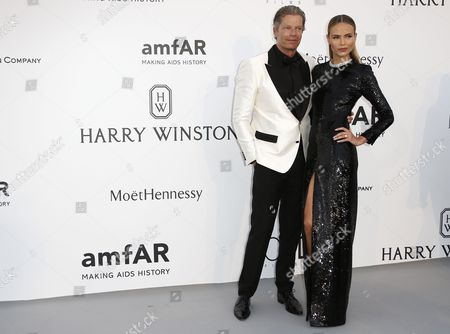 Russian Model Natasha Poly (r) and Peter Bakker (l) Attends the Cinema Against Aids Amfar Gala 2015 Held at the Hotel Du Cap Eden Roc in Cap D'antibes France 21 May 2015 Within the Scope of the 68th Annual Cannes Film Festival That Runs From 13 to 24 May France Cap D'antibes