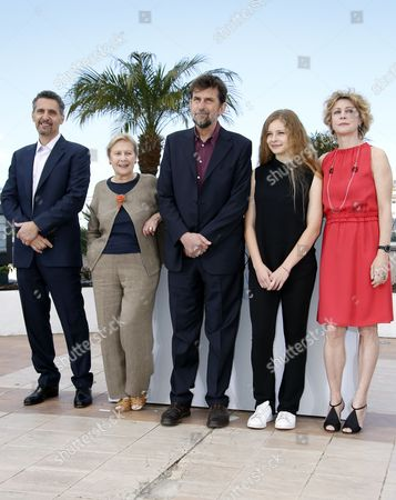 (l-r) Us Actor John Turturro Italian Actress Giulia Lazzarini Italian Director Nanni Moretti Italian Actress Beatrice Mancini and Italian Actress Margherita Buy Pose During the Photocall For 'Mia Madre' (my Mother) at the 68th Annual Cannes Film Festival in Cannes France 16 May 2015 the Movie is Presented in the Official Competition of the Festival Which Runs From 13 to 24 May France Cannes
