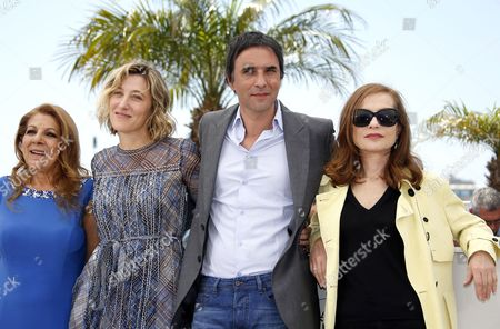 (l-r) Algerian Actress Tassadit Mandi French Italian Actress Valeria Bruni-tedeschi French Director Samuel Benchetrit and French Actress Isabelle Huppert Pose During the Photocall For 'Asphalte' (macadam Stories) at the 68th Annual Cannes Film Festival in Cannes France 17 May 2015 the Movie is Presented in the Section Special Screenings of the Festival Which Runs From 13 to 24 May France Cannes