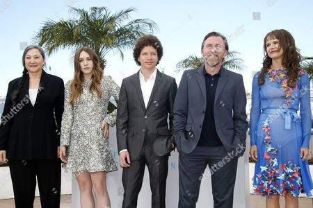 (l-r) Us Actress Robin Bartlett Us Actress Sarah Sutherland Mexican Director Michel Franco British Actor Tim Roth and Mexican Actress Nailea Norvind Pose During the Photocall For 'Chronic' at the 68th Annual Cannes Film Festival in Cannes France 22 May 2015 the Movie is Presented in the Official Competition of the Festival Which Runs From 13 to 24 May France Cannes