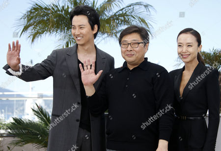 (l-r) South Korean Actor Kim Nam-gil South Korean Director Oh Seung-uk and South Korean Actress Jeon Do-yeon Pose During the Photocall For 'Mu-roe-han' (the Shameless) at the 68th Annual Cannes Film Festival in Cannes France 16 May 2015 the Movie is Presented in the Section Un Certain Regard of the Festival Which Runs From 13 to 24 May France Cannes