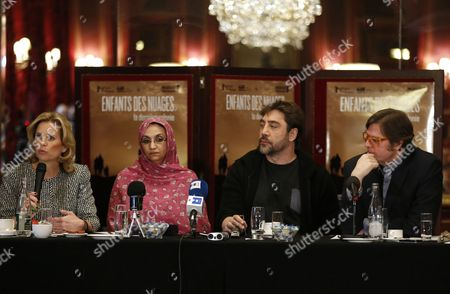 Spanish Actor Javier Bardem (2-r) Spanish Director Alvaro Longoria (r) Sahrawi Human Rights Activist Aminatou Haidar (2-l) and Us Human Rights Activist Kerry Kennedy (l) Attend a Press Conference on the Documentary Film 'Hijos De Las Nubes La Ultima Colonia' (sons of the Clouds: the Last Colony) in Paris France 18 February 2013 the Documentary Produced by Bardem and Directed by Longoria Looks at the Humanitarian Crisis in the Western Sahara That Has Left Nearly Nearly 200 000 People Living in Refugee Camps France Paris