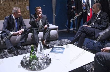 Former Us California Governor and Actor Arnold Schwarzenegger (c) Discusses with French Foreign Affairs Minister Laurent Fabius (r) and Austrian Environment Minister Andrae Rupprechter During the Cop21 World Climate Change Conference 2015 in Le Bourget North of Paris France 08 December 2015 the 21st Conference of the Parties (cop21) is Held in Paris From 30 November to 11 December Aimed at Reaching an International Agreement to Limit Greenhouse Gas Emissions and Curtail Climate Change France Paris