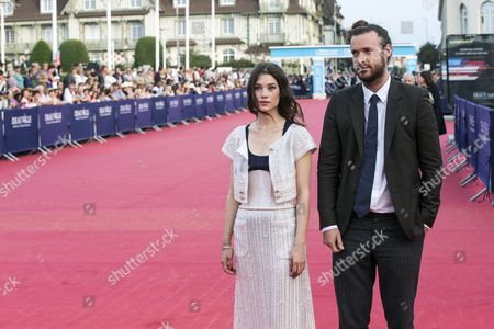 Us Director Mike Cahill (r) and French Actress Astrid Berges-frisbey (l) Arrive For the Premiere of 'Sin City: a Dame to Kill For' and Closing Ceremony of the 40th Annual Deauville American Film Festival in Deauville France 13 September 2014 the Movie is Presented out of the Official Competition of the Festival That Runs From 05 to 14 September France Deauville