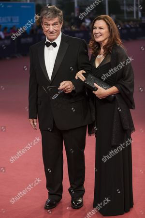 Us Film Director John Mctiernan and His Wife Gail (r) Arrive For the Premiere of Camp X-ray During the 40th Annual Deauville American Film Festival in Deauville France 07 September 2014 the Movie is Presented in the Official Competition of the Festival That Runs From 05 to 14 September France Deauville