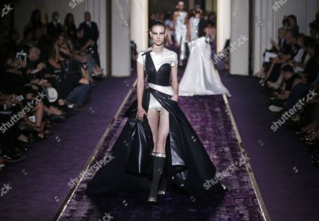 Russian Model Kati Nescher Presents a Creation From the Haute Couture Fall-winter 2014/15 Collection by Italian Designer Donatella Versace For Versace Fashion House During the Paris Fashion Week in Paris France 06 July 2014 the Presentation of the Women's Haute Couture Collections Runs From 06 to 10 July France Paris