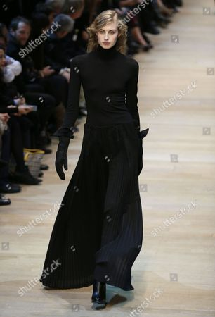 A Model Presents a Creation From the Fall/winter 2014/15 Ready to Wear Collection by French Designer Marcel Marongiu For Guy Laroche Fashion House During the Paris Fashion Week in Paris France 26 February 2014 the Presentation of the Women's Collections Runs From 25 February to 05 March France Paris