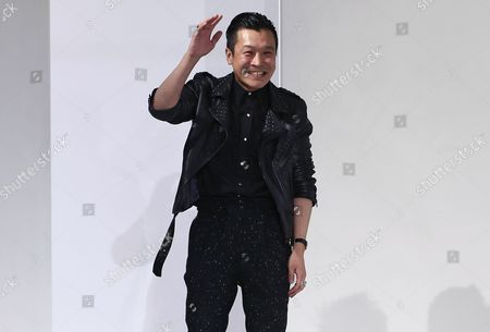 Japanese Designer Arashi Yanagawa Waves After His the Fall/winter 2014/15 Men?s Collection Show For John Lawrence Sullivan Fashion House During the Paris Fashion Week in Paris France 15 January 2014 the Presentation of the Men?s Collections Runs From 15 to 19 January France Paris