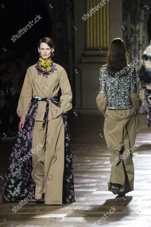 Dutch Model Saskia De Brauw Presents a Creation For the Fall/winter 2015/16 Ready to Wear Collection by Belgian Designer Dries Van Noten During the Paris Fashion Week in Paris France 04 March 2015 the Presentation of the Women's Collections Runs From 03 to 11 March France Paris