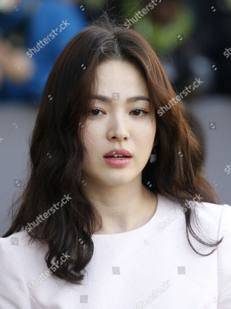 South Korean Actress Song Hye-kyo Arrives For the Presentation of the Fall/winter 2015/16 Ready to Wear Collection by Dior Fashion House During the Paris Fashion Week in Paris France 06 March 2015 the Presentation of the Women's Collections Runs From 03 to 11 March France Paris