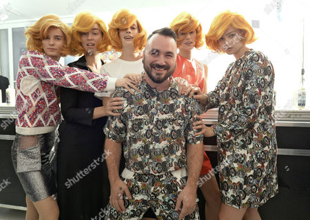 Models Pose with Belgian Designer Jean-paul Lespagnard (c) at the Presentation of His Spring/summer 2015 Ready to Wear Collection During the Paris Fashion Week in Paris France 28 September 2014 the Presentation of the Women's Collections Runs From 23 September to 01 October France Paris