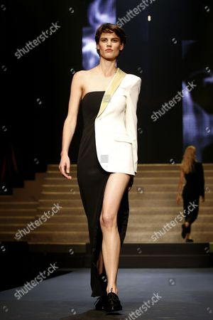 Dutch Model Saskia De Brauw Presents a Creation From the Spring/summer 2015 Ready to Wear Collection by French Designer Jean-paul Gaultier During the Paris Fashion Week in Paris France 27 September 2014 the Presentation of the Women's Collections Runs From 23 September to 01 October France Paris