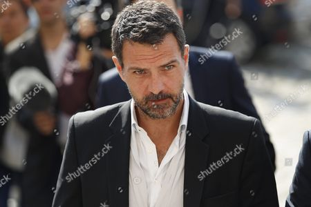French Former Societe Generale Rogue Trader Jerome Kerviel (c) Arrives at the Versailles Appeal Court After Fighting a Civil Damages Case in Versailles France 23 September 2016 Keviel Has Been Sentenced to Pay One Milion Euros to Societe Generale Financial Services Group After They Claimed a 4 9 Billion Euros of Losses in 2008 France Versailles