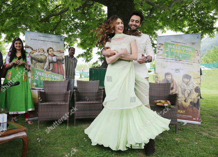 Bollywood Film Stars Jackky Bhagnani (r) and Lauren Gottlieb (l) Pose During Their Promotional Tour of Their Film 'Welcome 2 Karachi' in Srinagar the Summer Capital of Indian Kashmir 09 May 2015 Inviting Bollywood is a Part of an Effort by the State Government to Promote Kashmir As an Ideal Tourist Destination India Srinagar