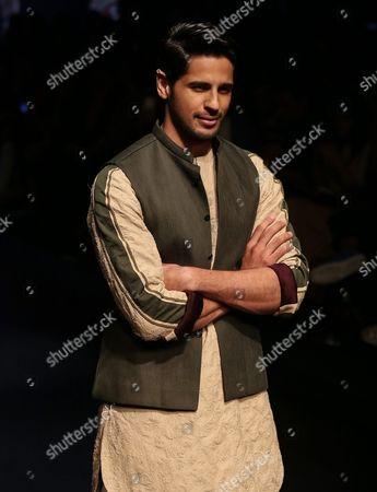 Bollywood Actor Sidharth Malhotra Presents Creations by Indian Designer Kunal Rawal During the Lakme Fashion Week (lfw) Summer/resort 2016 in Mumbai India 02 April 2016 the Lfw Summer/resort Collection Runs Until 03 April India Mumbai