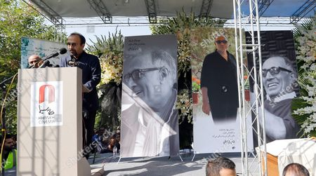 Iranian Film Director Asghar Farhadi (l) Speaks During a Funeral Ceremony For Iranian Film Director Abbas Kiarostami in Tehran Iran 10 July 2016 According to Media Reports Award-winning Filmmaker Kiarostami Died After Several Months of Illness at the Age of 76 in Paris France on 04 July 2016 He Had Been Suffering From Gastrointestinal Cancer Since the End of March and Had Been Undergoing Hospital Treatment in France Kiarostami Whose Career Spanned 40 Decades was Considered One of the Most Prominent Directors of Iran Iran (islamic Republic Of) Tehran
