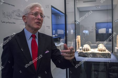 James Snyder Director of the Israel Museum Discusses a Piece That is in the Exhibition 'Pharaoh in Canaan: the Untold Story' During a Press Tour of the Museum in Jerusalem Israel 02 March 2016 the Piece is a Fragment of Sphinx Named Menkaure From Hazor and Dated to the 26th Century Bce Showing the Feet of the Sphinx (behind) the Exhibition Consists of Some 680 Objects Showing the Differences in the Two Distinct Ancient Cultures of Canaan and Egypt in the 2nd Millennium Bce Israel Jerusalem