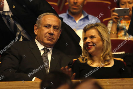 Israeli Prime Minister Benjamin Netanyahu (l) and His Wife Sara Netanyahu Attend the Genesis Prize Ceremony in Jerusalem Israel 23 June 2016 Israeli-us Violinist Itzhak Perlman Received the One Million Us Dollar Genesis Prize From Netanyahu For His Contribution in the Field of Music Around the World Israel Jerusalem