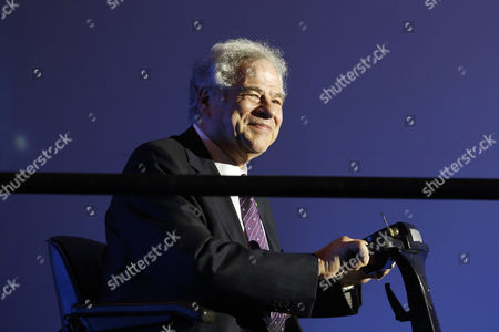 Israeli-us Violinist Itzhak Perlman Looks on During the Genesis Prize Ceremony in Jerusalem Israel 23 June 2016 Perlman Received the One Million Us Dollar Award From Israeli Prime Minister Benjamin Netanyahu For His Contribution in the Field of Music Around the World Israel Jerusalem