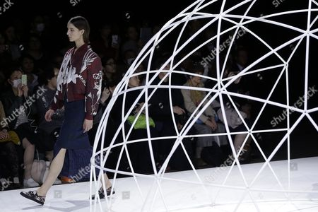 Stock Image of A Model Presents a Creation by Designers Yurika Ohara and Steven Hall For Their Label In-process by Hall Ohara During the Mercedes-benz Fashion Week in Tokyo Japan 17 March 2016 the Presentation of the Autumn/winter 2016 Collections Runs From 14 to 19 March Japan Tokyo
