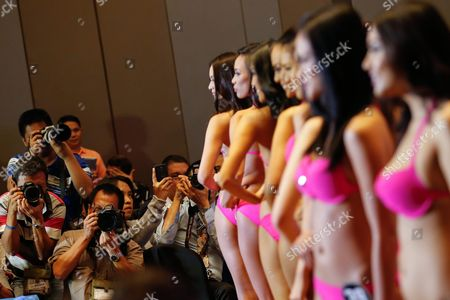 Filipinos in Swimsuits Pose For Photographs During the Official Presentation of the Miss Philippines 2016 Candidates at a Hotel in Quezon City Northeast of Manila Philippines 29 March 2016 Forty Women Are Competing For Winning Spots in the Pageant to Represent the Country in This Year's Miss Universe Miss World and Miss International Contests Pia Alonzo Wurtzbach Winner of the Miss Universe 2015 Graced the Event Philippines Manila