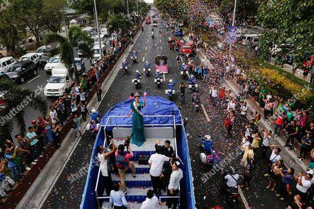 Miss Universe 2015 Pia Alonzo Wurtzbach (c) of the Philippines Waves to the Crowd During Her Homecoming Parade in Manila Philippines 25 January 2016 Miss Universe 2015 Pia Wurtzbach Returned Home to the Philippines Saturday For a Weeklong Visit the First Since She Won the Crown in December She Will Attend a Charity Event and Meet with President Benigno Aquino and Other Government Officials During Her Trip Wurtzbach is the Third Filipino to Win Miss Universe After Gloria Diaz in 1969 and Margie Moran in 1973 Her Victory was Marred by Controversy when Host Steven Harvey First Announced Miss Columbia Ariadna Gutierrez As the Winner Harvey Corrected Himself After Gutierrez was Already Crowned She Won the Miss Universe Pageant in Las Vegas on 20 December 2015 Philippines Manila