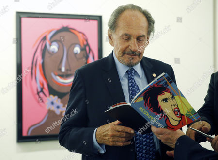 Stock Picture of Father of the Former French President Nicholas Sarkozy Pal Sarkozy Signs a Catalogue During the Opening of His Exhibition in the Russia's Fine Art Exhibition Hall in Moscow Russia 01 September 2015 Hungarian Born Pal Sarkozy 88 Arrived in France in 1948 and Made a Career As a Successful Designer and Started As an Artist Only in 2001 Russian Federation Moscow