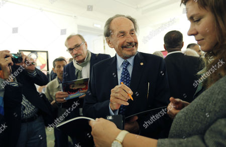 Father of the Former French President Nicholas Sarkozy Pal Sarkozy Signs a Catalogue During the Opening of His Exhibition in the Russia's Fine Art Exhibition Hall in Moscow Russia 01 September 2015 Hungarian Born Pal Sarkozy 88 Arrived in France in 1948 and Made a Career As a Successful Designer and Started As an Artist Only in 2001 Russian Federation Moscow