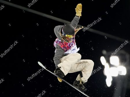Hannah Teter of the Usa in Action During the Women's Snowboard Halfpipe Final at Rosa Khutor Extreme Park During the Sochi 2014 Olympic Games Krasnaya Polyana Russia 12 February 2014 Russian Federation Krasnaya Polyana