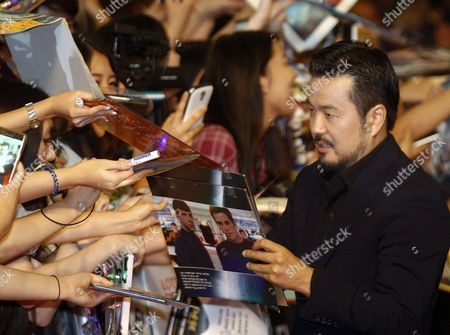 Taiwanese-born Us Director Justin Lin Signs Autographs As He Arrives For the Premiere of 'Star Trek Beyond' at the Lotte World Mall in Seoul South Korea 16 August 2016 the Movie Will Open in South Korean Theaters on 18 August Korea, Republic of Seoul