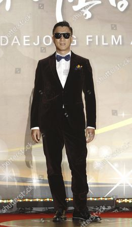Stock Image of Chinese Actor Sun Honglei Arrives For the 52nd Daejong Film Awards Ceremony at Kbs Hall in Seoul South Korea 20 November 2015 Korea, Republic of Seoul