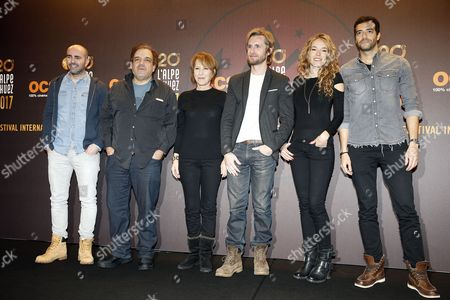 French actors Julien Arruti (L), Didier Bourdon (2-L), Nathalie Baye (3-L), Philippe Lachau (3-R), Elodie Fontan (2-R) and Tarek Boudali (R) pose during the photocall for 'Alibi.com' at the 20th annual International Comedy Film Festival, in l'Alpe d'Huez, France, 20 January 2017. The festival runs from 17 to 22 January.