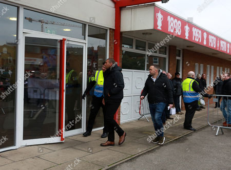Former player Stan Collymore enters the ground for a meeting with club officials during the Sky Bet Championship match between Nottingham Forest  and Bristol City played at The City Ground, Nottingham on 21st January 2017