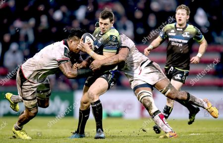 Toulouse vs Connacht. Connacht's Craig Ronaldson is tackled by Joe Tekori and Thierry Dusautoir of Toulouse