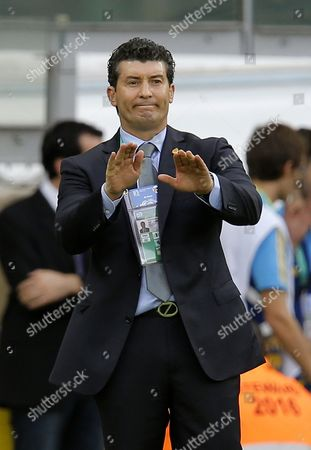Jose Manuel De La Torre the Head Coach of Mexico Gestures During the Match Between Japan and Mexico at the Fifa Confederations Cup 2013 in Belo Horizonte Brazil 22 June 2013 Brazil Belo Horizonte