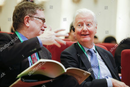 Us Nobel Laureate George Smoot (l) and British Nobel Laureate James Mirrlees Chat During the Nobel Laureates Beijing Forum Held at the Great Hall of the People in Beijing China 10 September 2013 the Theme of This Year's Strategic Forum is 'New Materials and Energy ' Guests of the 2013 Forum Include Nobel Laureates Edmund Phelps George Smoot James Mirrlees Robert Mundell As Well As Four Renowned Scientists China Beijing
