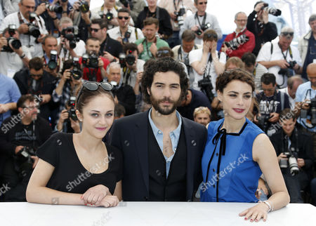 (l-r) Belgian Actress Pauline Burlet French Actor Tahar Rahim and French Actress Berenice Bejo Pose During the Photocall For 'Le Passe' (the Past) at the 66th Annual Cannes Film Festival in Cannes France 17 May 2013 the Movie is Presented in the Official Competition of the Festival Which Runs From 15 to 26 May France Cannes