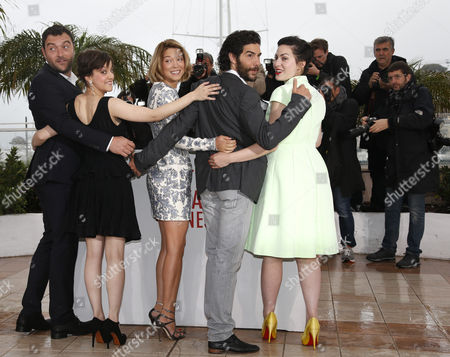 (l-r) French Actor Denis Menochet French Actress Camille Lellouche French Actress Lea Seydoux French Actor Tahar Rahim and French Director Rebecca Zlotowski Pose During the Photocall For 'Grand Central' at the 66th Annual Cannes Film Festival in Cannes France 18 May 2013 the Movie is Presented in the 'Un Certain Regard' Section of the Festival Which Runs From 15 to 26 May France Cannes