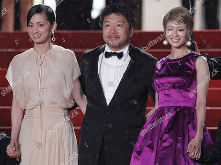 (l-r) Japanese Actress Machiko Ono Director Hirokazu Kore-eda and Actress Yoko Maki Arrive For the Screening of 'Soshite Chichi Ni Naru' (like Father Like Son) During the 66th Annual Cannes Film Festival in Cannes France 18 May 2013 the Movie is Presented in the Official Competition of the Festival Which Runs From 15 to 26 May France Cannes