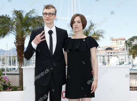 Stock Image of German Actress Annika Kuhl (r) and German Actor Julius Feldmeier (l) Pose During the Photocall For 'Tore Tantz' (tore's Pogo) at the 66th Annual Cannes Film Festival in Cannes France 23 May 2013 the Movie is Presented in the 'Un Certain Regard' Section of the Festival Which Runs From 15 to 26 May France Cannes