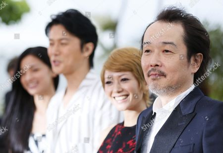 (l-r) Japanese Actress Machiko Ono Japanese Actor Masaharu Fukuyama Japanese Actress Yoko Maki and Japanese Director Hirokazu Kore-eda Pose During the Photocall For 'Soshite Chichi Ni Naru' (like Father Like Son) at the 66th Annual Cannes Film Festival in Cannes France 18 May 2013 the Movie is Presented in the Official Competition of the Festival Which Runs From 15 to 26 May France Cannes