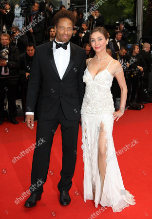Us Actor Gary Dourdan (l) and Italian Actress Isabella Orsini Princesse De Ligne De La Tremoille (r) Arrive For the Screening of 'Jimmy P (psychotherapy of a Plains Indian)' During the 66th Annual Cannes Film Festival in Cannes France 18 May 2013 the Movie is Presented in the Official Competition of the Festival Which Runs From 15 to 26 May France Cannes